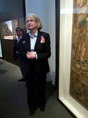 Mimi Gardner Gates discussing Buddhist works at the Getty exhibition Cave Temples of Dunhuang: Buddhist Art on China's Silk Road. Photo by the author